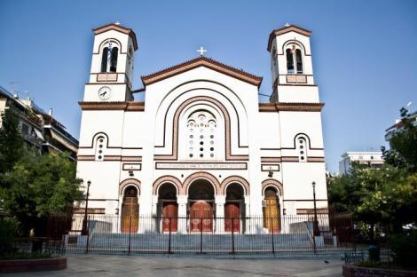 Γεννήθηκα και μεγάλωσα στην Αθήνα, στη συνοικία του ΑγίουΠαύλου…!